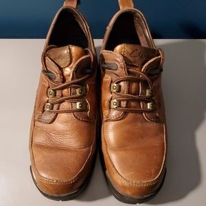 Men's 7.5 brown Clark's  Leather lace up s…